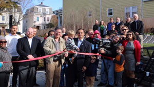 Mayor Joe Curtatone at a ribbon cutting ceremony